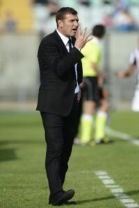 Massimo Carrera in panchina